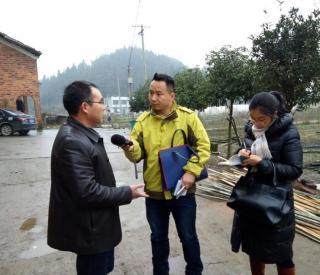 农民日报社深入采访报道我市农村资源流转交易工作